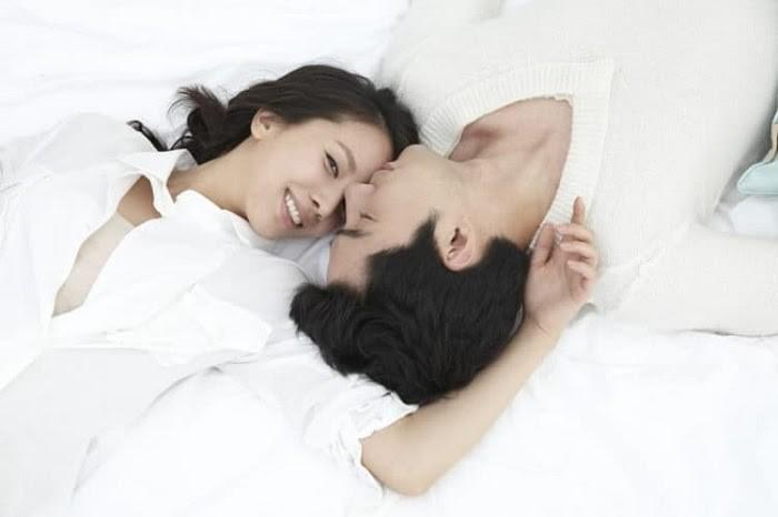 đau bụng sau khi quan hệ có thai không
