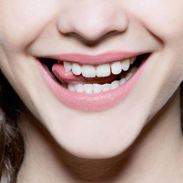 cách làm trắng răng bằng bột baking soda và kem đánh răng