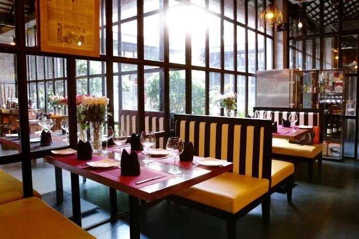 nhà hàng món mỹ tại quận 1