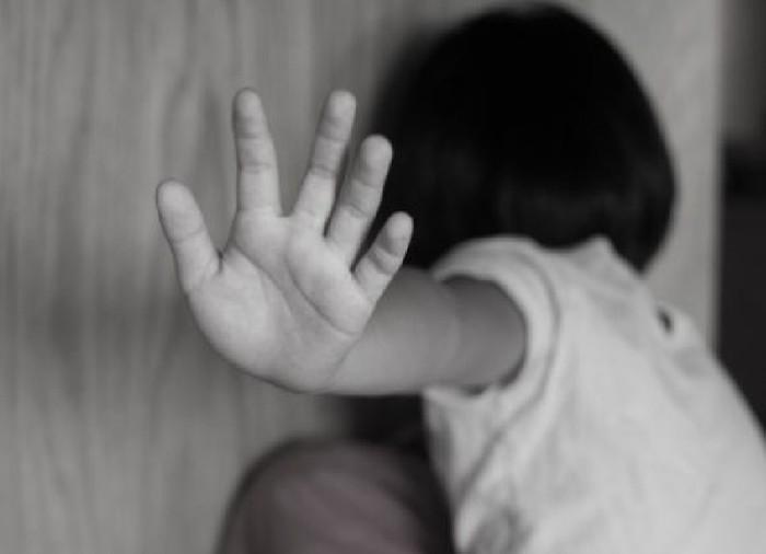 Luật Pháp đã giới hạn tuổi quan hệ tình dục để bảo vệ trẻ em