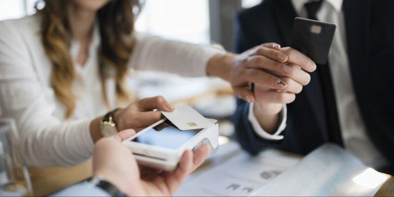 Quan niệm xã hội về việc ai trả tiền khi hẹn hò cũng nên thay đổi